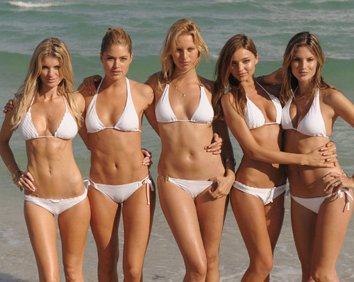 Happy New Year Beach Girls Images