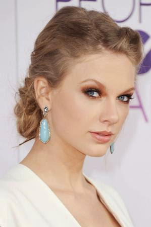 foto taylor swift di acara People's Choice Awards 2013
