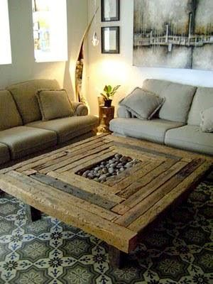 Mesa reutilize madeira demolição