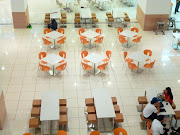 MALL OF EMIRATES WITH GLOBUS CHAIRS (stua mall emirates )