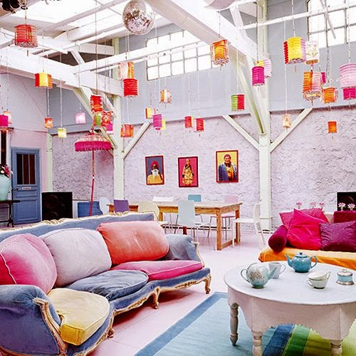 Ma Bicyclette: Home Interiors | How To Bring Summer Indoors - Bright Lanterns and Sofa