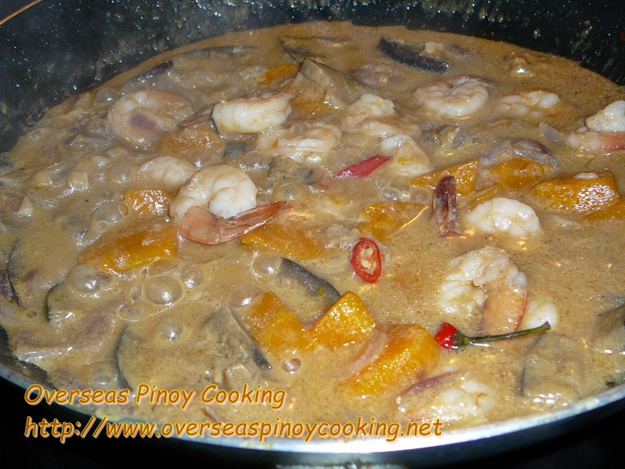 Ginataang Sugpo at Kalabasa, Prawn and Pumpkin in Coconut Milk - Cooking Procedure
