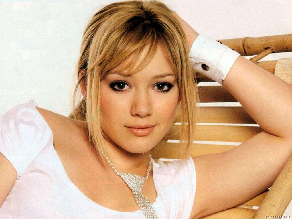 Hilary Duff wallpaper 2011