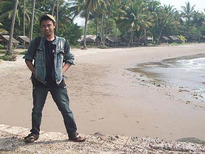 eko marwanto di pantai, pantai anyer