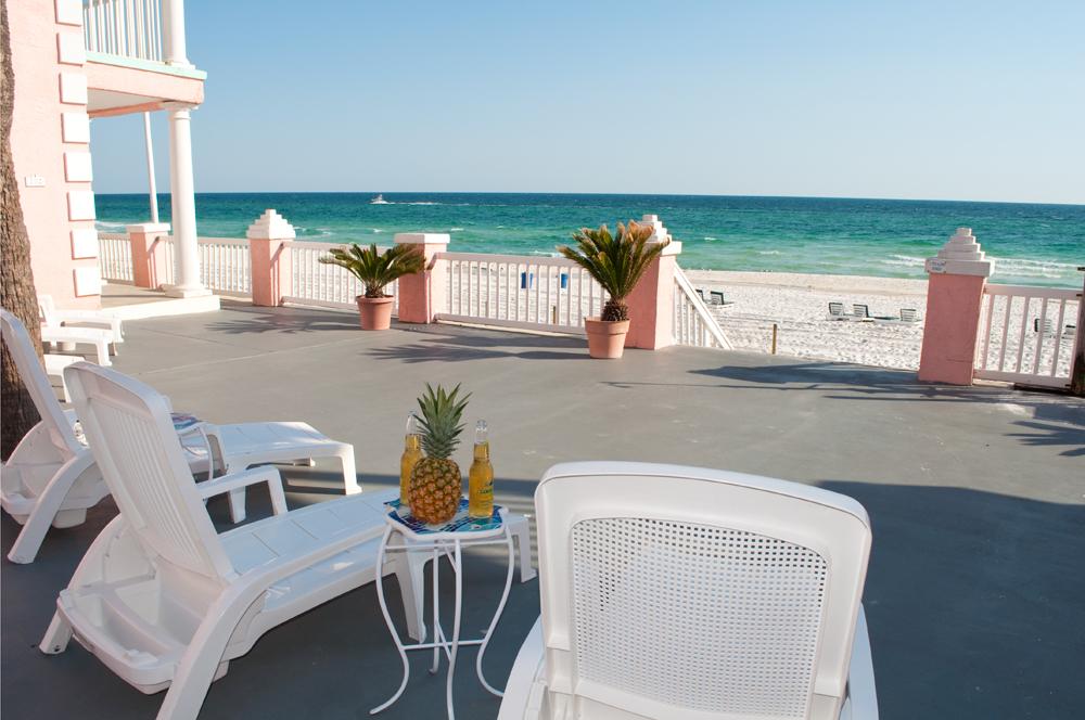Pineapple Villa In Laguna Beach Florida