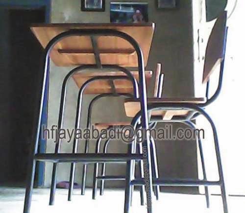 Meja dan kursi sekolah rangka besi