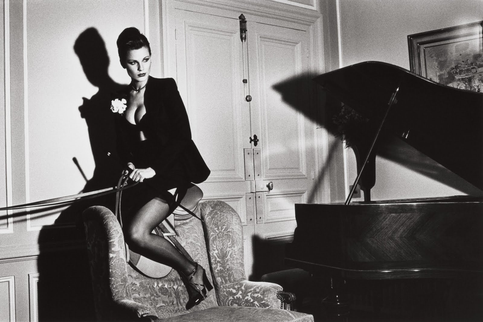 nibelle et baudouin helmut newton exposition au grand. Black Bedroom Furniture Sets. Home Design Ideas