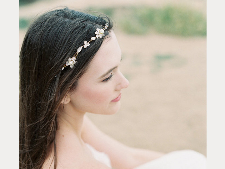 10 Exquisite Hair Adornments for the Bride