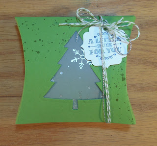 Gift Box made with Stampin'UP!'s Perfect Pines Thinlit Dies