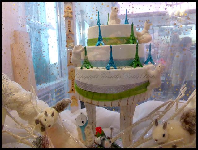 Eiffel Tower cake Versailles Pelé