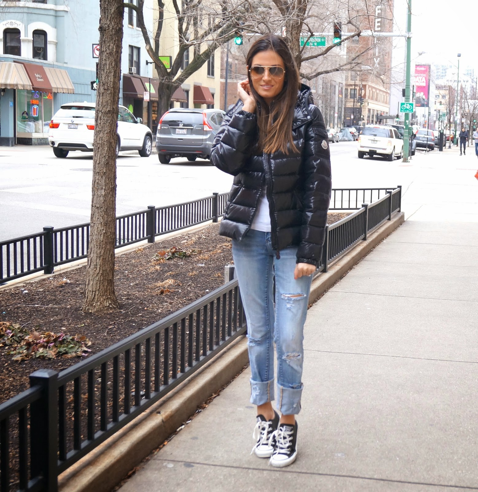 travel style- monclear coat, converse shoes, blank jeans, splendid long sleeve, ray ban sunglasses