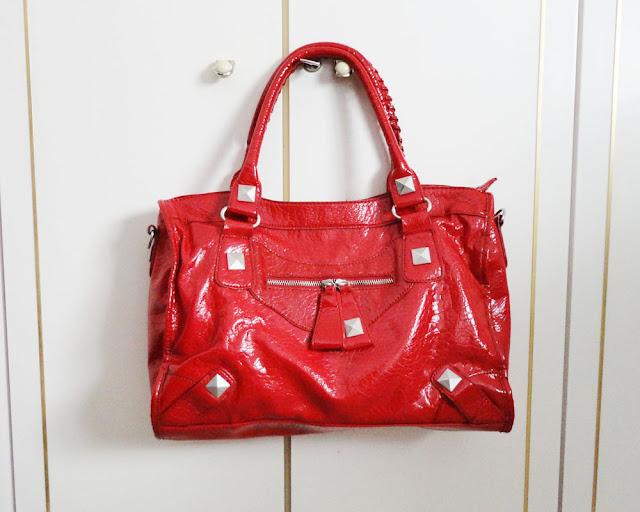 https://www.chicfy.com/bolso-grande-rojo/precioso-bolso-rojo-misako-color-rojo
