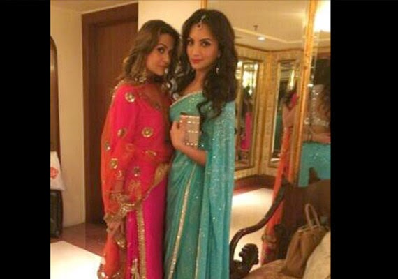 Arpita Mehndi Ceremony : Salman khan sister arpita s mehndi sangeet