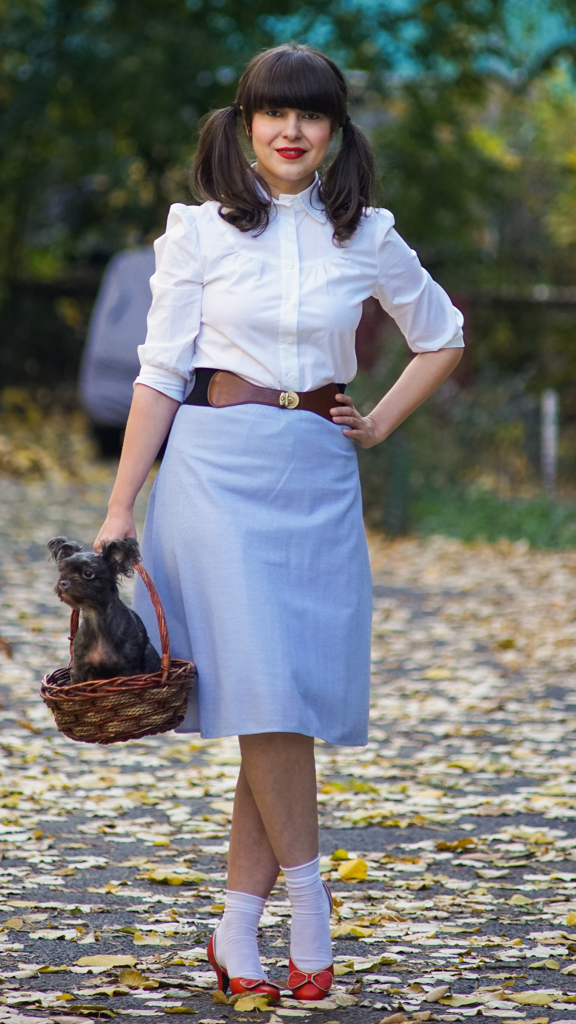 easy DIY Halloween costume dorothy white shirt blue skirt basket dog doggy stuffed toy stuffed bear red shoes white socks pony tails girly autumn