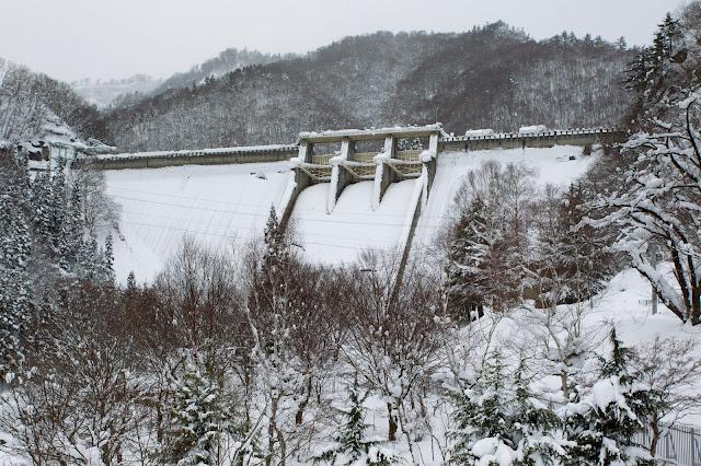 冬の須田貝ダム
