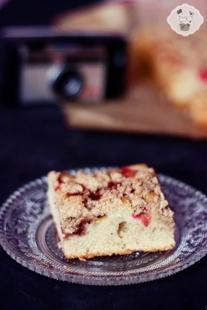 dietetyczne ciasto z rabarbarem, pełnoziarniste ciasto z rabarbarem, pełnoziarnisty placek z rabarbarem