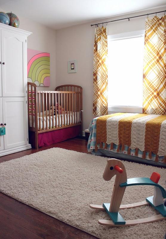 Quartos de beb s quarto compartilhado for Baby and toddler sharing bedroom ideas