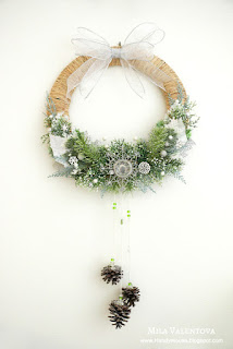 http://handymouse.blogspot.com/2015/12/Christmas-wreath-merry-brigh-Mila-Valentova.html