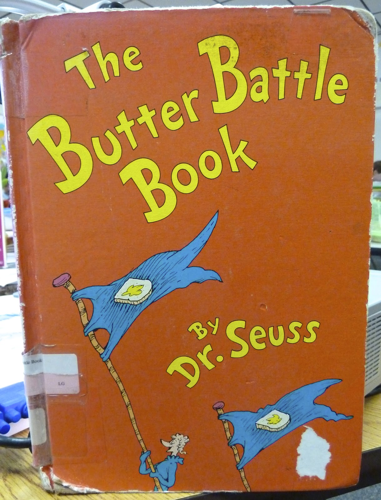 dr seuss the butter battle book and The butter battle book discussion guide dr seuss injects humor into this serious tale of conflict, offering a great opportunity for a student discussion on valuing diversity.