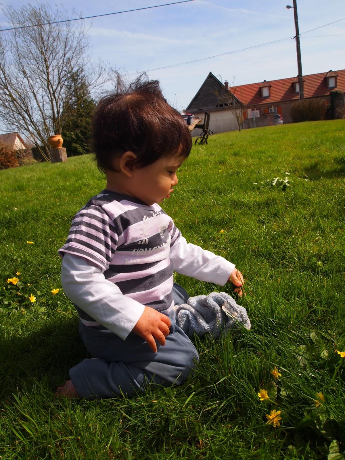 Dans le jardin de mamie dans la peau d 39 une fille - Mamie baise dans le jardin ...