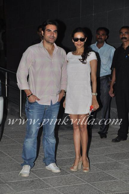 Arbaaz and malaika posing - (4) -  Arbaaz Malaika go to see Shilpa shetty at hospital
