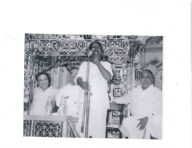 MGR & C.N. Anna Durai in a Meeting