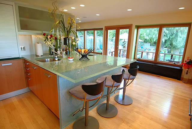 kitchen-designs-with-amazing-glass-tops-from-ThinkGlass-9