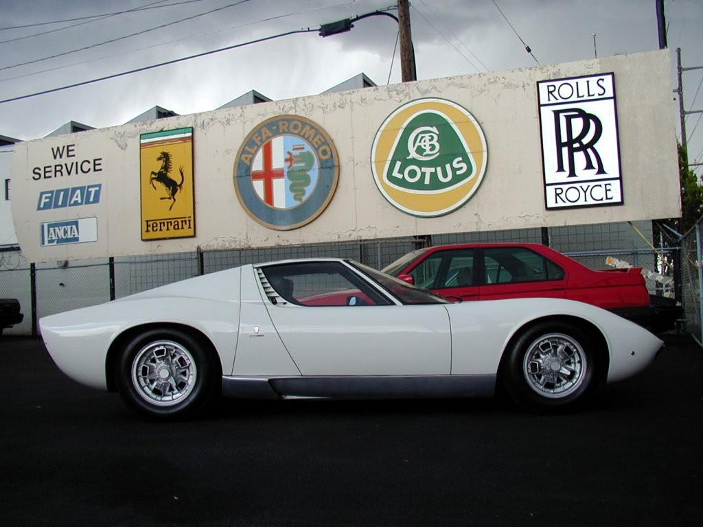Sports Car and Bikes Wallpapers: old sports car wallpapers