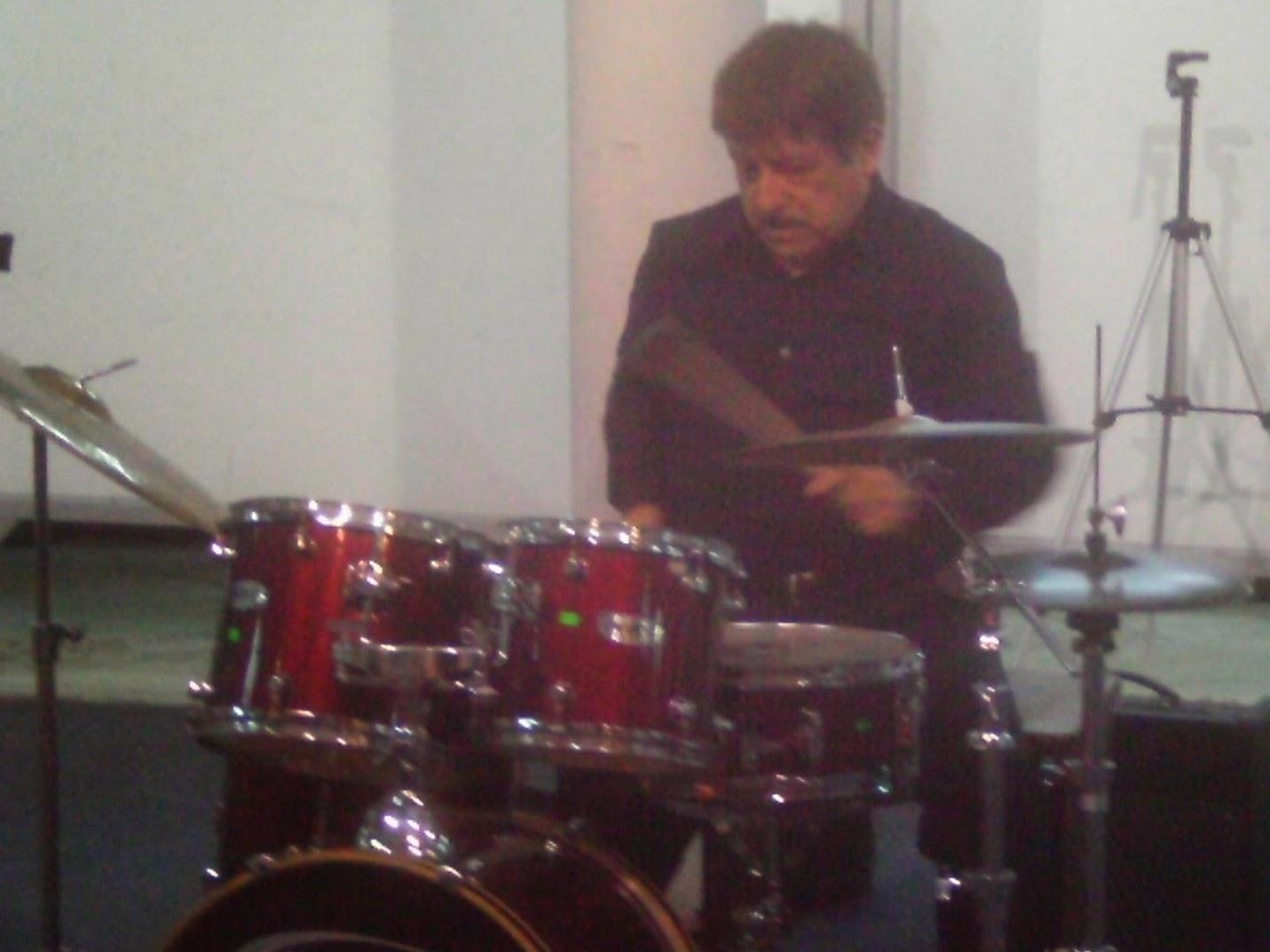 Peluzzas Drums