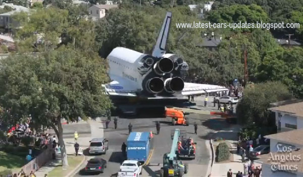 space shuttle endeavour on los angeles street