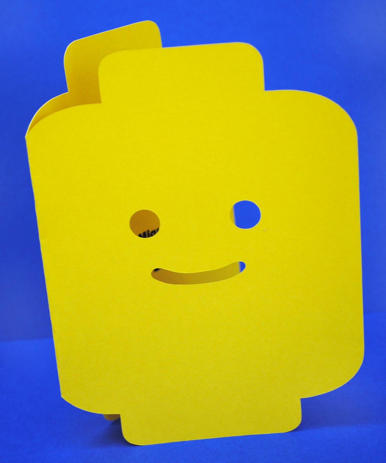 LEGO Head Template http://zakkalife.blogspot.com/2011/07/lego-birthday-party.html