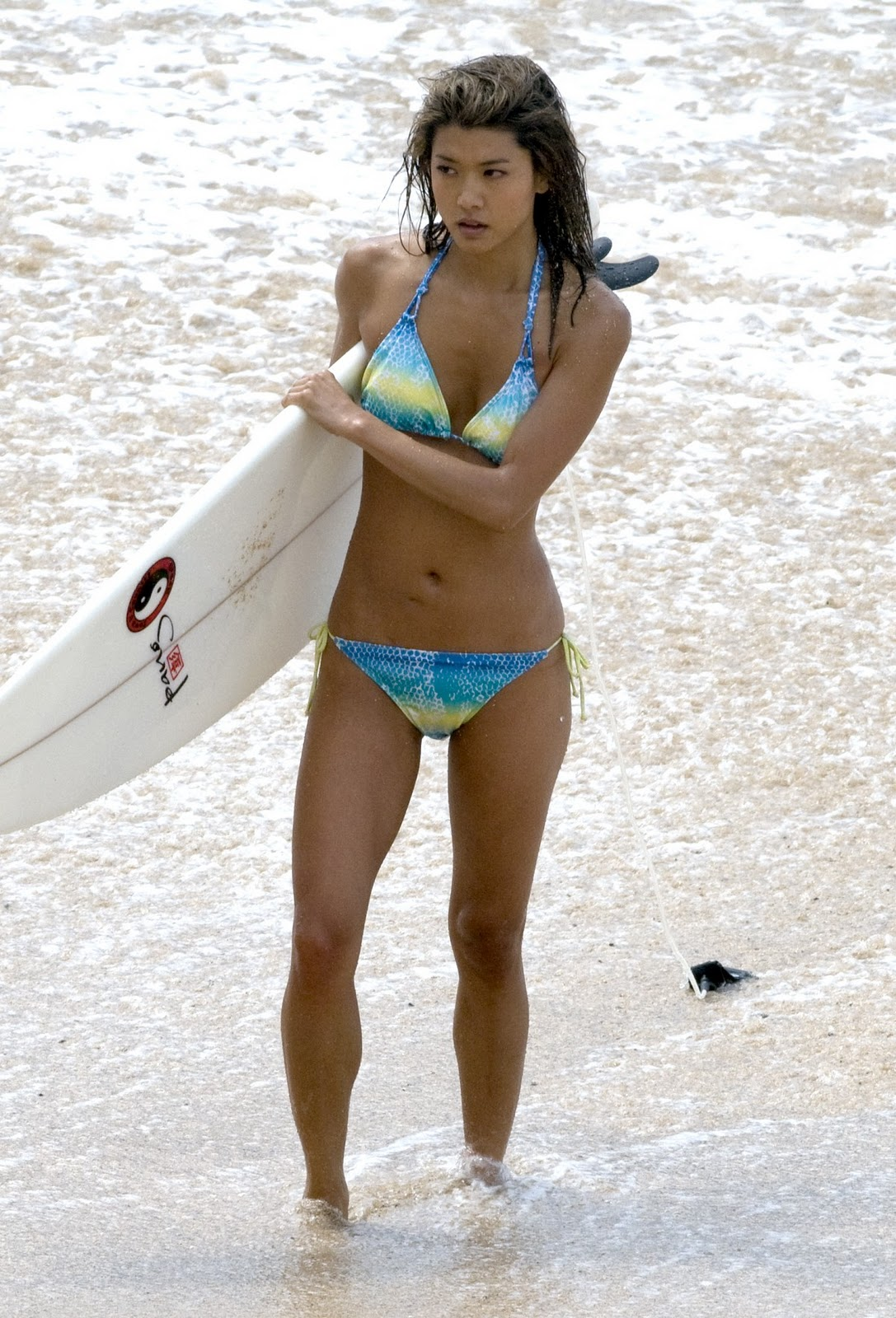 Grace Park CALVES part 2 ( from Hawaii Five O show )