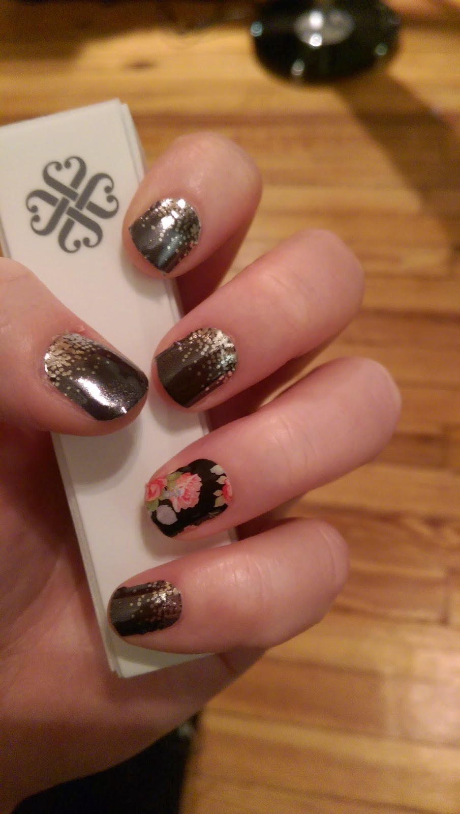 Jamberry nails feeling festive