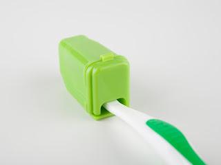 Packing Hack: Toothbrush Cap