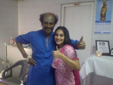 Superstar-Rajini-good-health-hospital-posing-Aishwarya-Dhanush-Twitter-fans