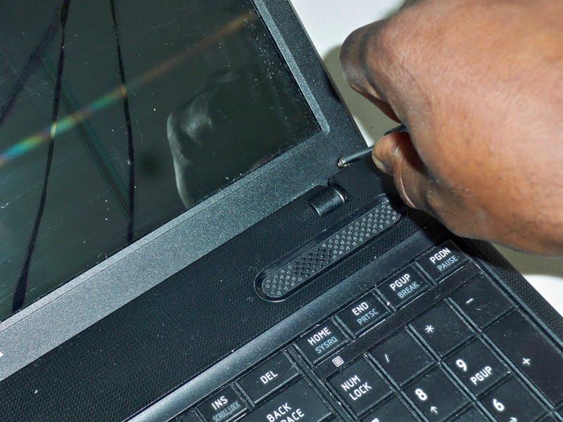 how to open toshiba satellite c660 laptop