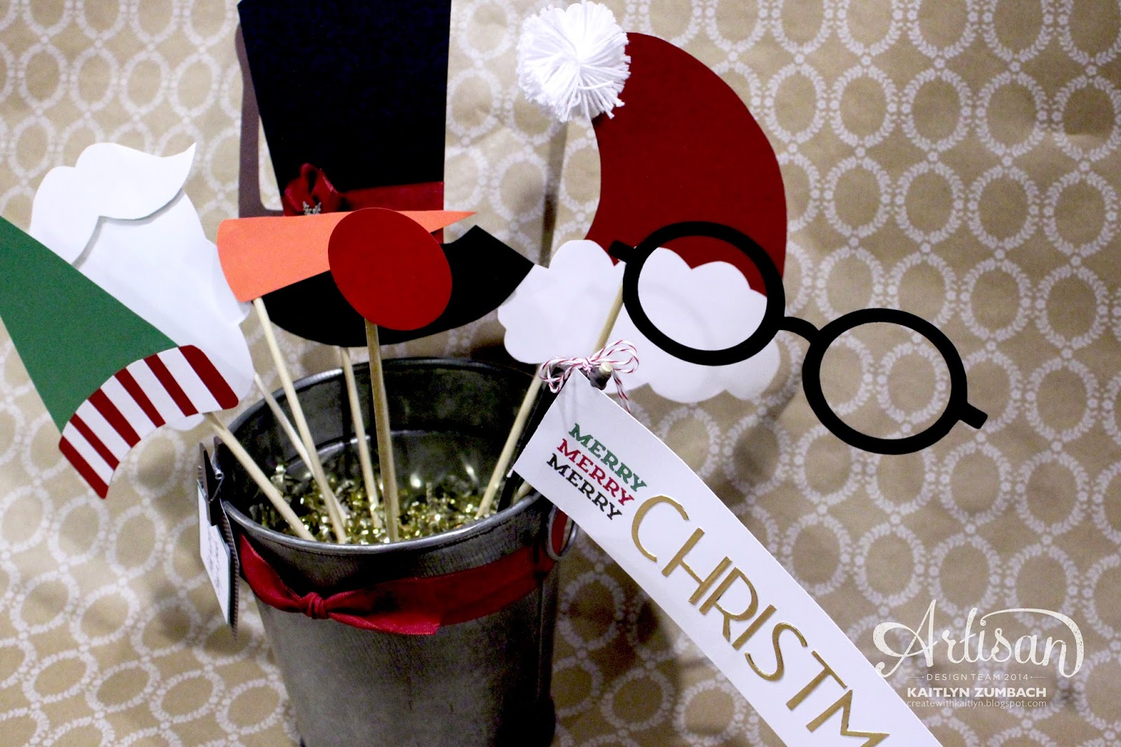 when i seen the festive designer kraft paper rolls i thought the would be perfect for a photo booth backdrop it couldnt be any easier just hang up a