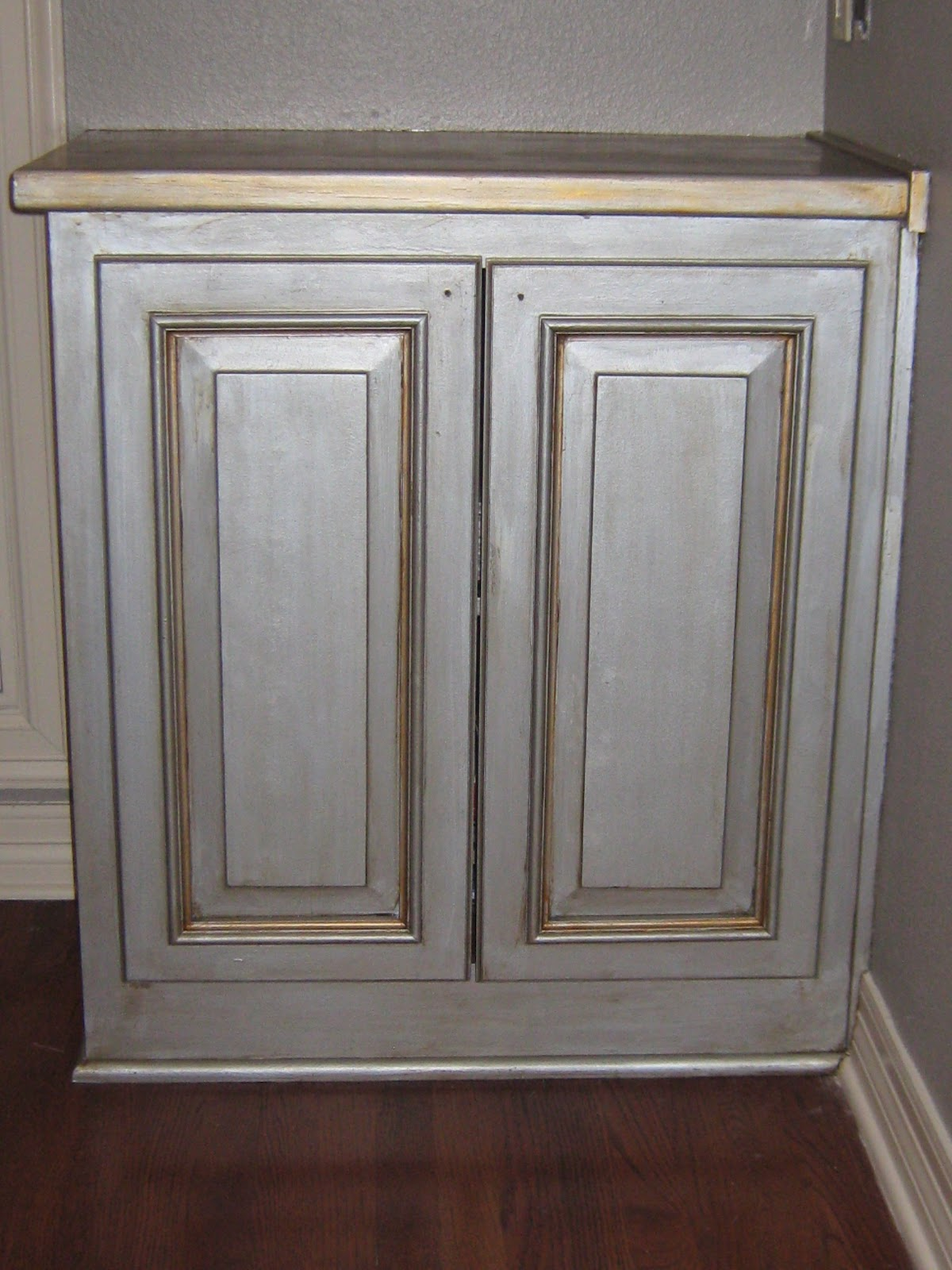 PAINTING WALLS & TWO CABINETS TO AN  ANTIQUE SILVER  FAUX F