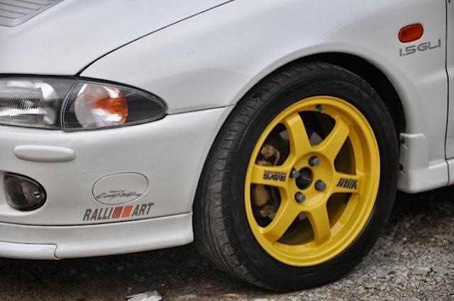 te37 yellow