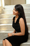 Actress Aarushi Glamorous Photos in Black-thumbnail-15