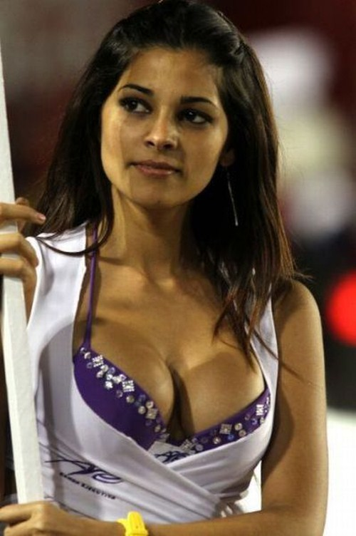 Hot DLF IPL Cheerleaders Sexy Girls at Indian Premium League