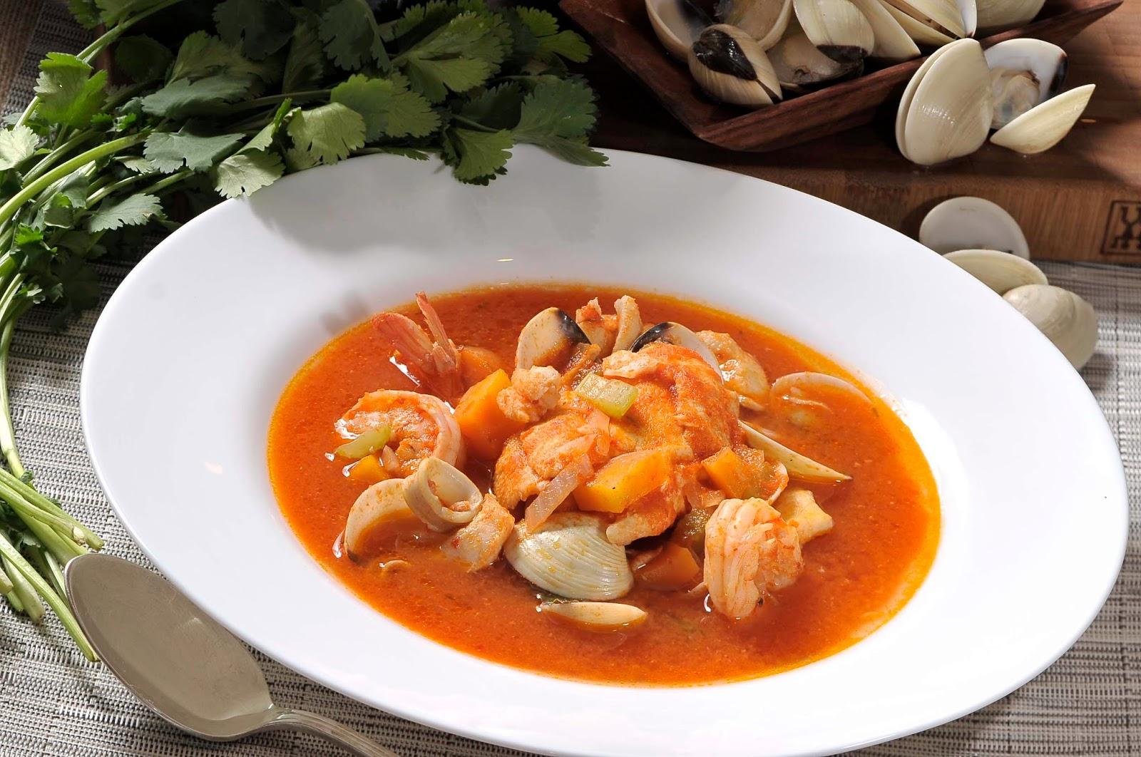 Sopa de Mariscos Mexicana