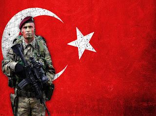 Bordo Bereliler Türk Bayrağı Duvar Kağıdı