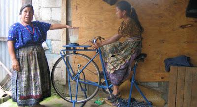 """As """"bicimáquinas"""" contribuem para a saúde da população e aumentam sua produtividade econômica"""