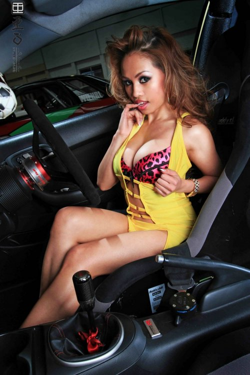 Serena Fuentes – Sexy Filipina Model from Australia
