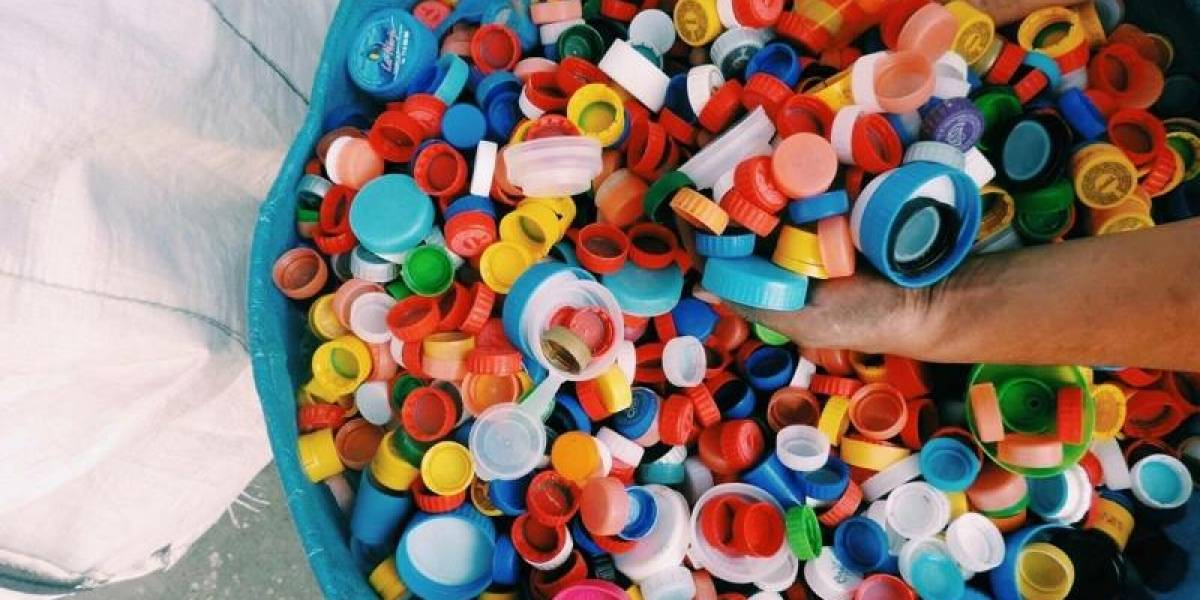 Tus Tapas Plásticas: No Las Botes, Recoje,Guarda y cada 8 0 15 días traelas!!