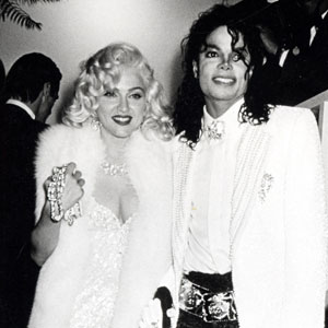 Madonna-Pays-Tribute-To-Michael-Jackson-