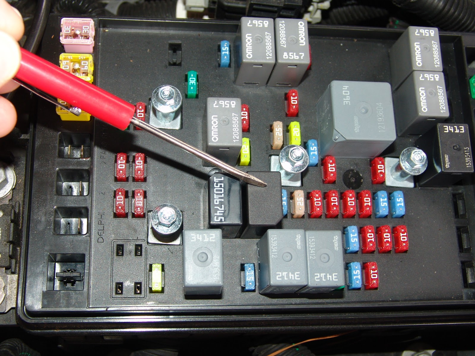 diagram on 2002 gmc envoy rear fuse box