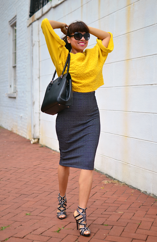 Outfit with pencil midi skirt