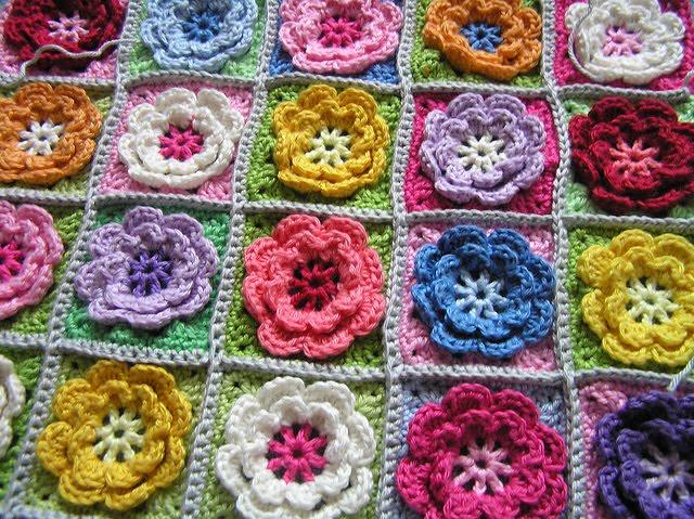 Crochet Flower Afghan Pattern Free : Crochet Granny Square Patterns ? Crochet Club